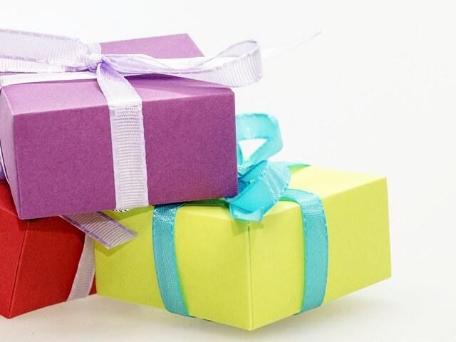 Этикет и подарки на детском дне рождения