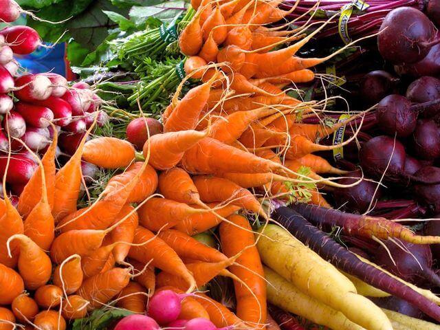 Стоит ли покупать ранние овощи